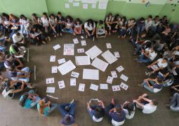 Alunos de Escola Estadual realizam manifestação pacífica em São Gotardo contra a PEC-241