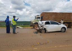 Três pessoas ficam feridas em acidente na BR-354 próximo ao trevo de acesso à São Gotardo