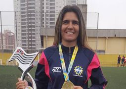 Seleção de futebol feminino terá mulher no comando pela 1ª vez