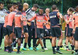 No embalo do 'eu acredito', Atlético visita o Grêmio em busca de reviravolta pelo título