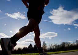 Surpresa: correr na verdade pode proteger o joelho, segundo pesquisa