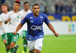 Com dois gols de Ábila, Cruzeiro vence Chapecoense e se classifica na Primeira Liga