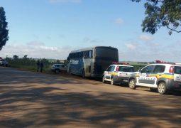 Polícia Militar inicia ação de fiscalização em ônibus com migrantes de outros Estados que desembarcam no município de São Gotardo