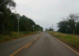 Radar é instalado próximo à curva em ponte na LMG-764 entre as cidades de São Gotardo e Matutina