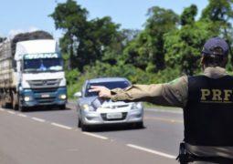 PRF restringe trânsito de veículos de carga em feriados
