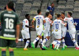 "Cruzeiro joga ""pro gasto"" e abre vantagem mínima contra a Chapecoense na Copa do Brasil"