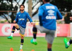 Hudson se diz feliz no Cruzeiro e foca em disputar títulos com a camisa da Raposa