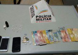 Várias pessoas são presas durante ocorrência de tráfico de drogas em Tiros