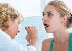 Como aliviar a dor de garganta infecciosa? Médicos ensinam a tratar