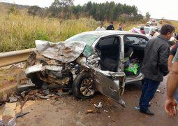 Grave acidente na MG 230 deixa uma vítima fatal e jovem ferido no município de Rio Paranaíba