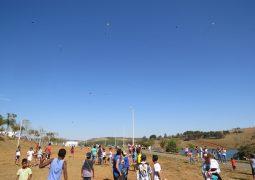 Escola Estadual Coronel Oscar Prados realiza 1º Festival de Pipas em São Gotardo