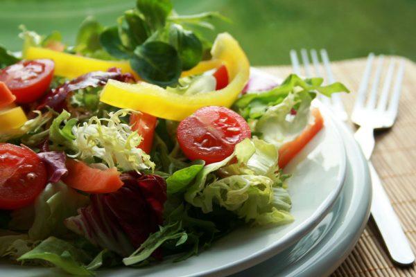 Foto capa: http://www.loopday.com.br/blog/universo-vegetariano-beneficios-saude-1/