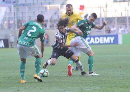 Mesmo com dois a mais, Atlético empata com Palmeiras e perde chance de entrar no G-6
