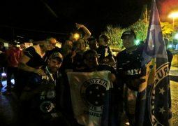 Após título do Cruzeiro, torcedores celestes comemoram pelas ruas de São Gotardo