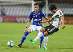 Pouco criativo, Cruzeiro é derrotado pelo Coritiba na Série A e perde invencibilidade