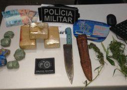 Polícia Militar de Goiás intercepta ônibus de turismo que vinha de São Gotardo e um homem é preso com drogas