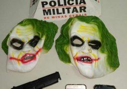 Sexta-Feira Treze. Utilizando máscaras de palhaços, menores roubam aparelhos celulares em São Gotardo