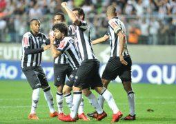 Atlético 'acorda' após entrada de Luan, vira sobre o lanterna e segue sonhando com vaga na próxima Copa Libertadores
