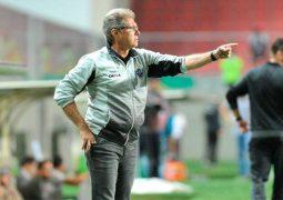 Com poucas chances de ir à Libertadoes, Atlético tenta derrotar até as projeções