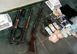 Polícia Militar realiza prisão de autores de explosão de caixa eletrônico de agência bancária em Arapuá
