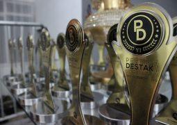 Prêmio Destak Empresarial 2017 é realizado em São Gotardo com premiação para os melhores do ano