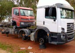 Caminhões novos são roubados e abandonados sem as rodas próximos a BR-354 em Campos Altos
