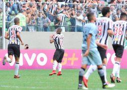 Em jogo de sete gols, Otero brilha e garante virada do Atlético, que ainda sonha com vaga na Libertadores