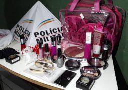 Mulher de 23 anos é detida após furtar objetos em loja de São Gotardo