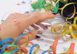 Exagerou no álcool? Veja dicas para curar a ressaca do carnaval