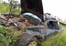 Jovem de Rio Paranaíba perde controle direcional e capota veículo na BR-354