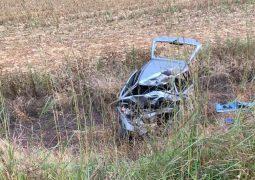Veículo com placas de São Gotardo se envolve em grave acidente próximo ao trevo de Ibiá