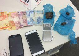 Após denúncia anônima, homens são presos e menores são apreendidos em loteamento em São Gotardo