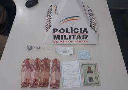 Homem e senhor de 73 anos de idade, são presos suspeitos de envolvimento com drogas em São Gotardo