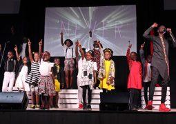 Espetacular! Grupo musical evangélico da África se apresenta em São Gotardo