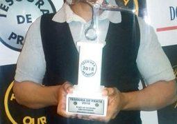 Reconhecimento nacional: Cabeleireiro de São Gotardo conquista prêmio Tesoura de Prata