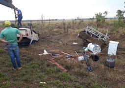 Motorista perde o controle direcional e caminhonete sai da pista na BR-354