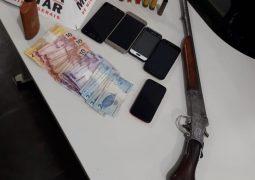 Suspeitos de cometerem crimes na região de Campos Altos, são presos pela PM de São Gotardo