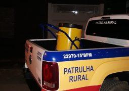 Parece mentira mas não é: Dupla furta carrinho de lixo em São Gotardo