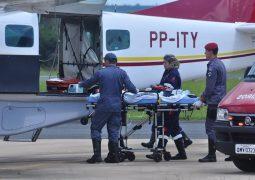Após complicações em cirurgia realizada em São Gotardo, garoto de quatro anos de idade é levado de avião para hospital em Belo Horizonte