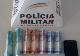 Polícia realiza a prisão de duas pessoas e apreende um menor durante operação contra o tráfico de drogas em São Gotardo
