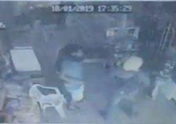 Indivíduos armados invadem mercearia no distrito de Chaves e roubam dinheiro e celular