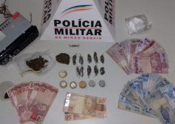 PM encontra drogas escondidas dentro de som automotivo em São Gotardo