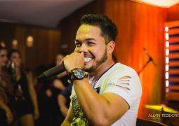Com música inédita, cantor sertanejo Bruno Ricardo lança DVD gravado em São Gotardo