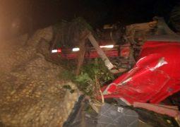Motorista de São Gotardo fica gravemente ferido em acidente na Serra de Bambuí, na BR-354