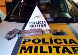 Polícia apreende carro furtado, drogas e munições após perseguição na BR-354