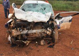 Grave acidente envolvendo veículo empresarial e van é registrado na BR-354. Duas pessoas ficam feridas