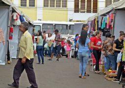 Com excelentes preços, Feira do Comércio Local é realizada em São Gotardo