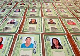 """Após realizar mutirão, carteiras de identidade sem """"donos"""" acumulam na Delegacia de São Gotardo"""