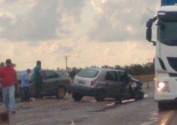 Pista molhada causa novo acidente envolvendo veículos de passeio na BR-354 em São Gotardo