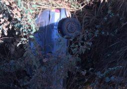 Automóvel cai de ponte no município de Carmo do Paranaíba